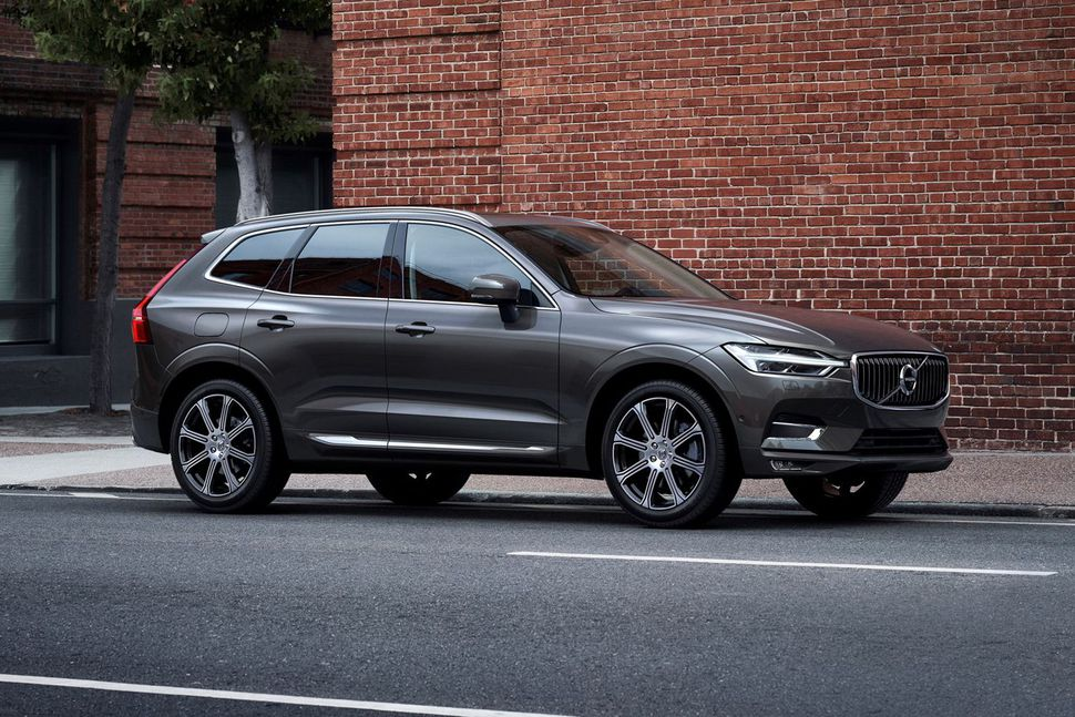 louer une voiture volvo xc60 momentum au maroc hertz. Black Bedroom Furniture Sets. Home Design Ideas